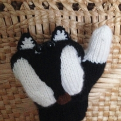 b-and-w-mittens4